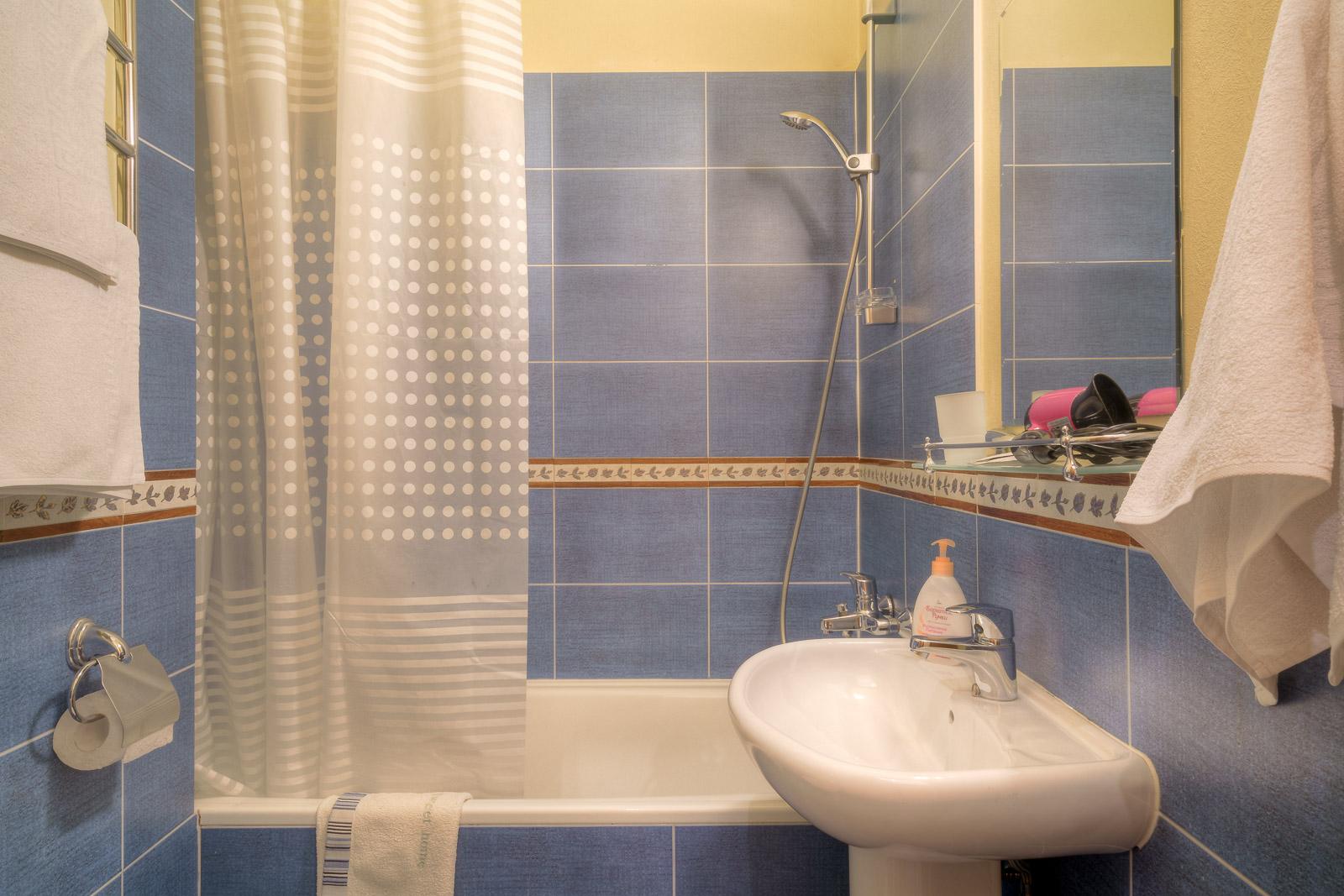 http://city-otel.ru/wp-content/uploads/2018/03/hotel_sity_polulux_4.jpg